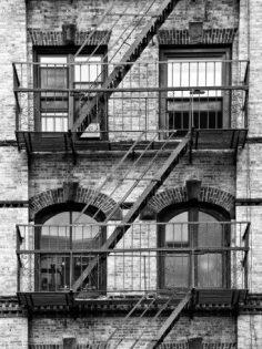 Feuerleiter, Treppenhaus am Manhattan-Gebäude, New York, USA, Schwarzweißfotografie Fotodruck von Philippe Hugonnard bei AllPosters.de  – 1dediva1