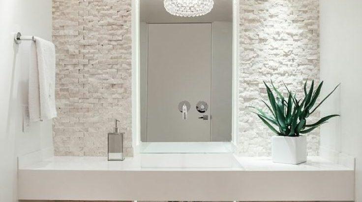 Badezimmer #modern in #weiß und #beige! www.m-habitat.fr ...